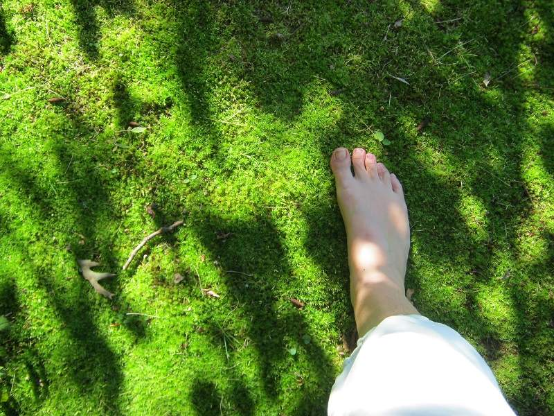 Benefits of Walking Barefooted