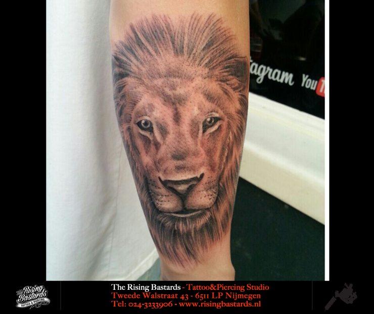 liontattoo_therisingbastards_tattooshop_nijmegen