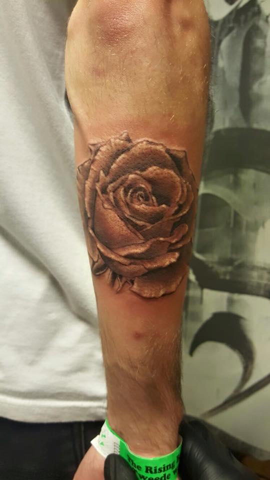 rosetattoo_realisticrose_tattoo_nijmegen