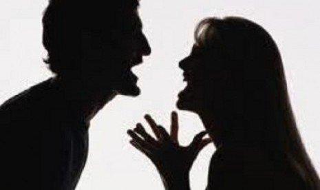 pacaran itu selalu bertengkar
