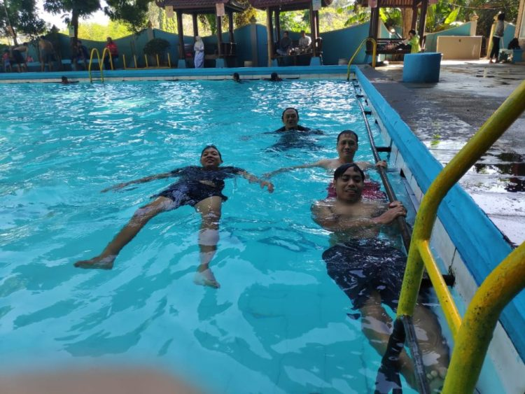 kolam renang metro kepanjen