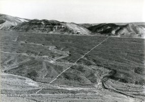 d 11 Richard Long - walking a line in peru 1972