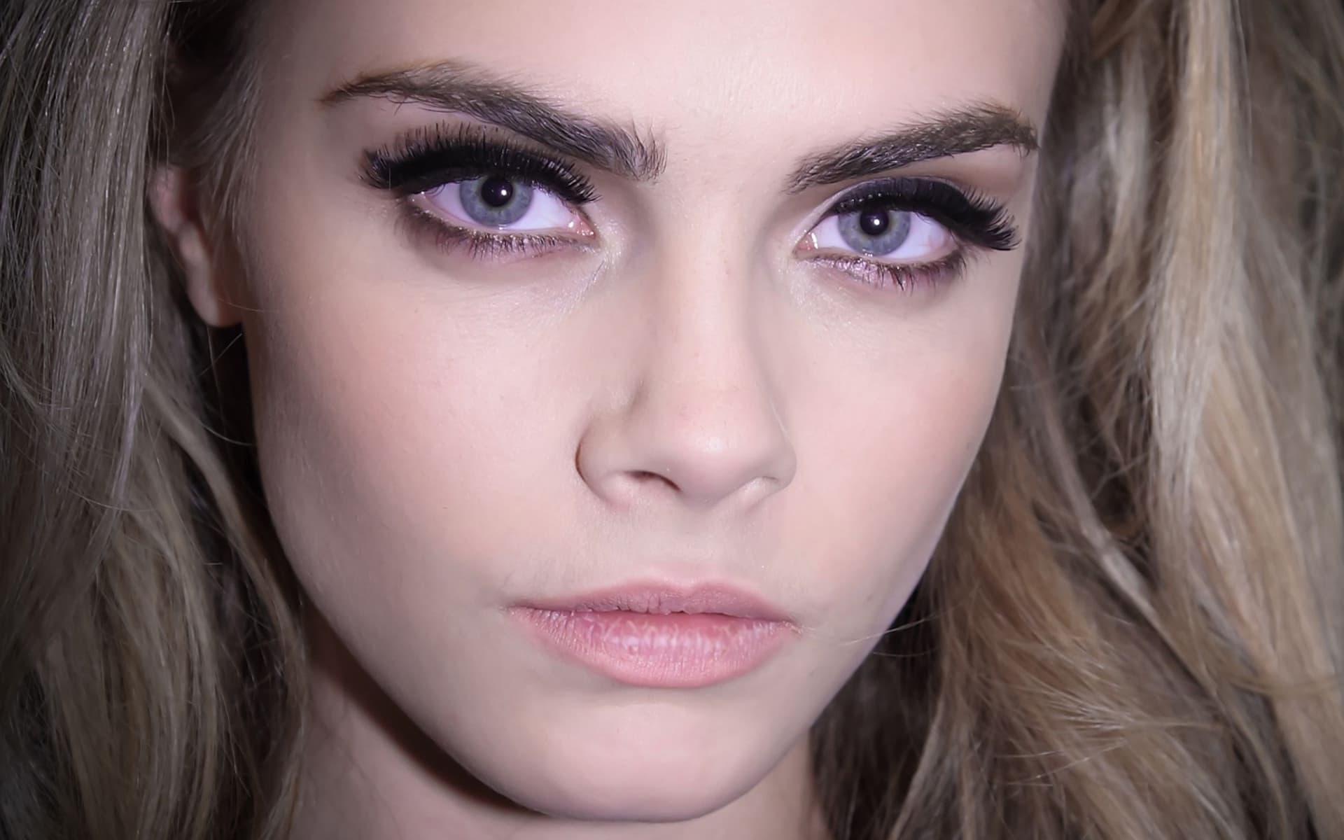 Шаблон Cara Delevingne - Eyes - Рисовач .Ру