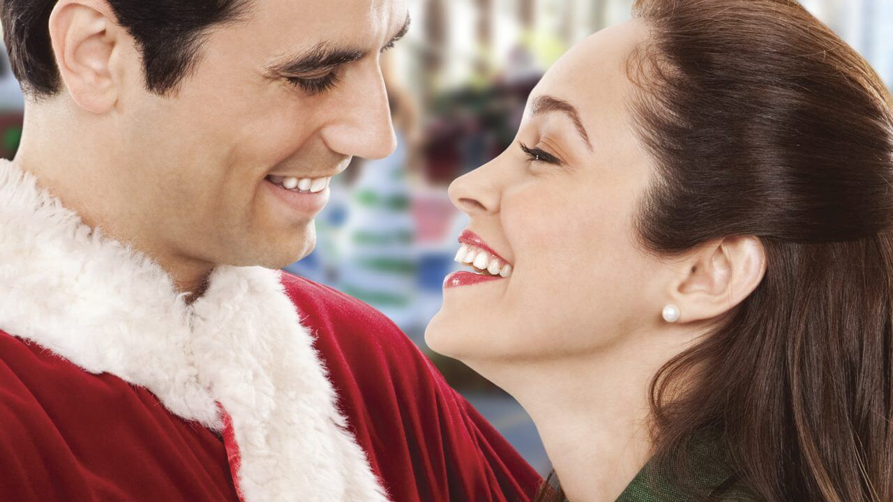 'Love at the Thanksgiving Day Parade': Hallmark's Charming Vintage Romance. Autumn Reese stars in this 2012 original. Text © Rissi JC