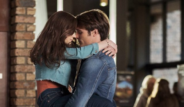 'The Kissing Booth 2': a Cute Book to Movie Romance! Sharing thoughts (and fangirl-y things) on the Netflix movie with Joey King. Text © Rissi JC