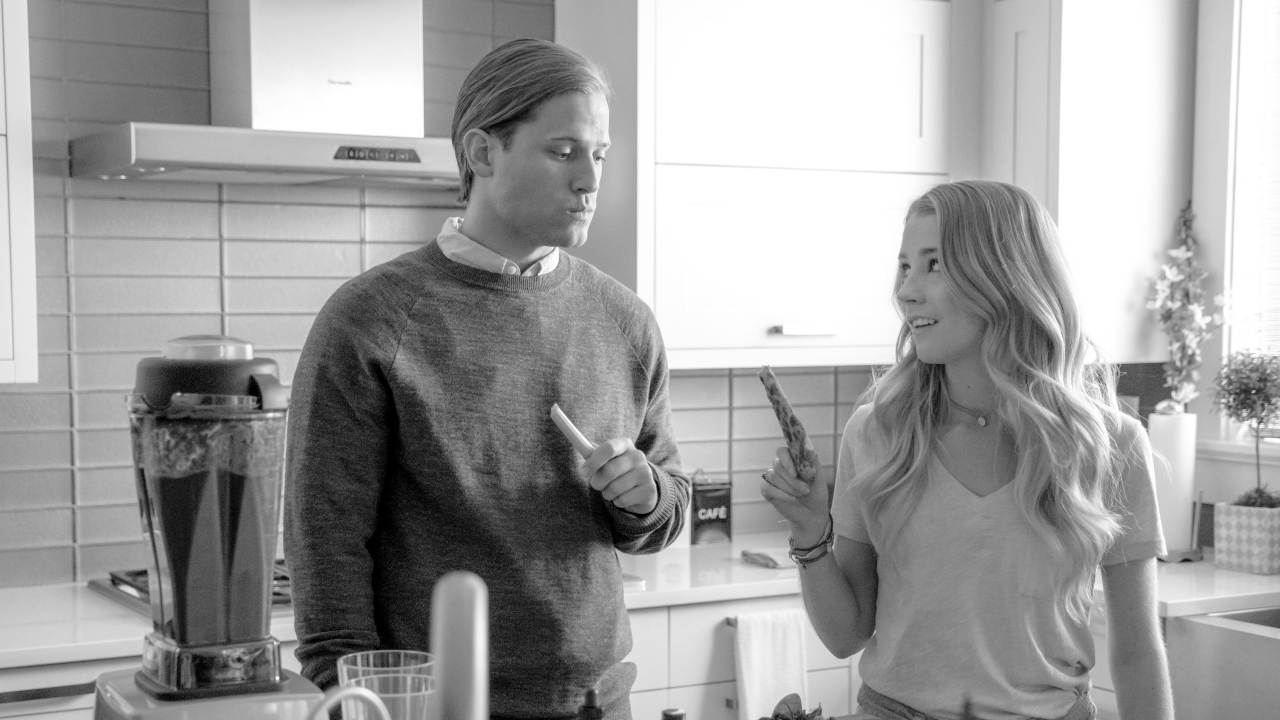 A Surprising and Cute Romance: 'Like Cats and Dogs.' A review of the 2017 Hallmark film with Wyatt Nash. Text © Rissi JC
