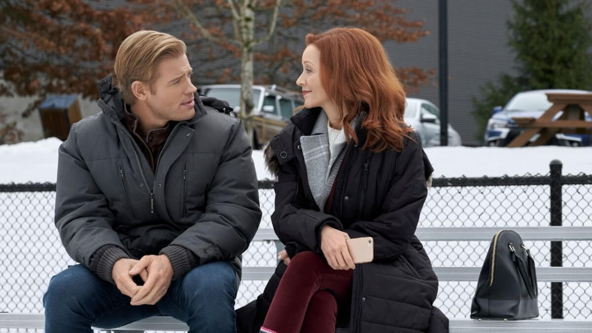 'SnowComing': Just Another Hallmark Romance. A review of the TV romance with Trevor Donovan & Lindy Booth. Text © Rissi JC