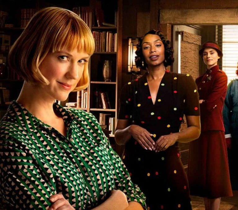 'FRANKIE DRAKE MYSTERIES,' SEASON THREE: RETURN FOR MORE FUN! Lauren Lee Smith stars as the titular character in this Canadian series. Text © Rissi JC