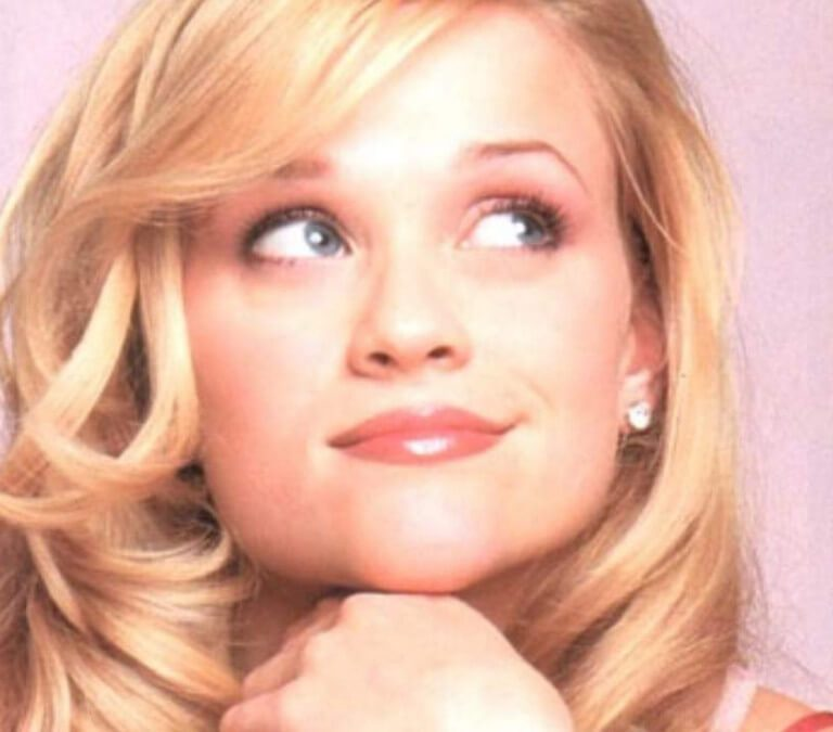 LIKE IT'S HARD? THREE REASONS WHY WE LOVE 'LEGALLY BLONDE' (CAN'T & WON'T STOP!). Chatting about why I love Legally Blonde. Just because. Text © Rissi JC