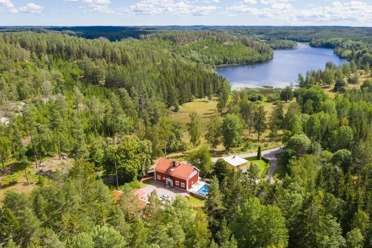 Drönarbild av Frängsbo skola, Åtvidaberg.
