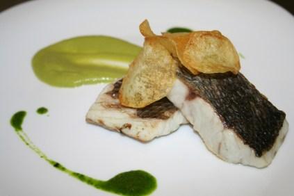 Filetto di Ombrina su crema di Zucchine, Patate croccanti e olio al rosmarino