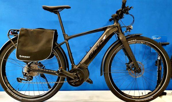 GIANT FASTROAD e-bike in pronta consegna. Ristorocycles Giant store Pinerolo, Torino