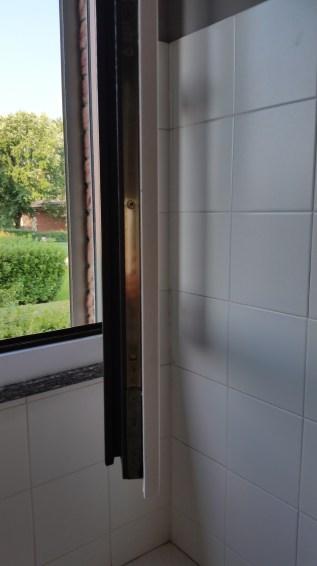 Rinnova le tue finestre  laminato 08 www.ristrutturazionmilano.com.jpg
