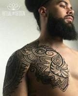 18.мехенди на плече