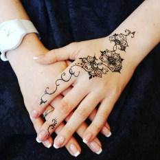 04.мехенди на руке