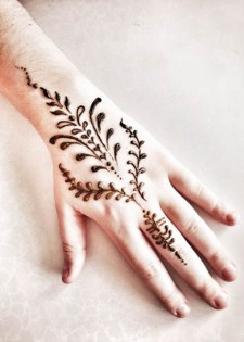 07.мехенди на руке лёгкие рисунки для начинающих