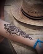 21.рисунки мехенди на руке
