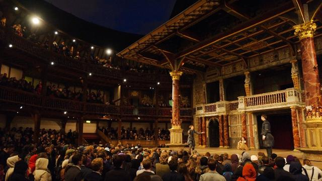 shakespeares-globe-theatre-a-production-at-shakespeares-globe-752c9a0aaa79fa3afb2d2a5339b4d880