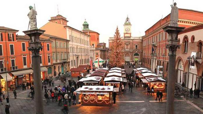 Il centro storico allestito per Natale