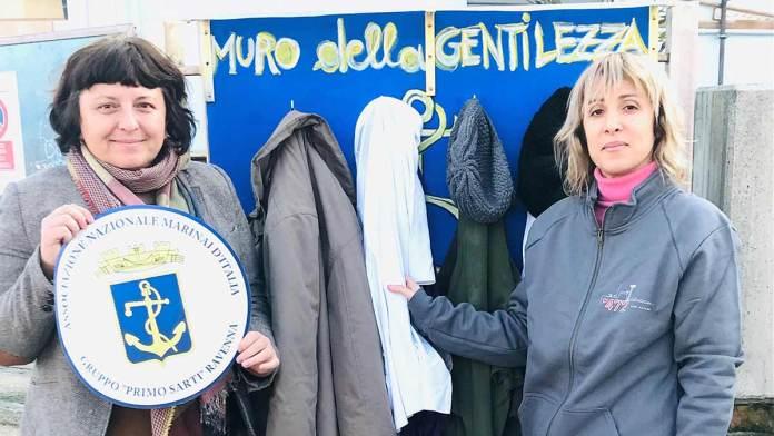 Nella foto la Consigliera Simona Stranieri e l'artista Anika Bargossi