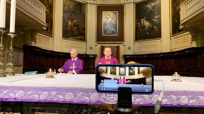 La Messa dalla Cattedrale trasmessa in diretta sul canale Facebook di Risveglio Duemila