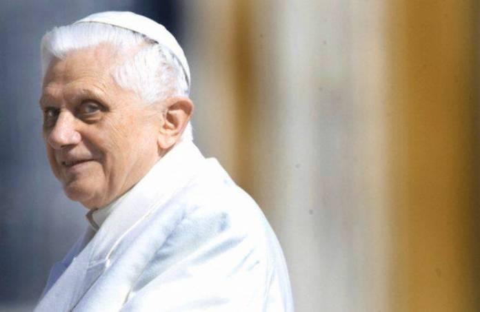 Benedetto XVI compie 93 anni
