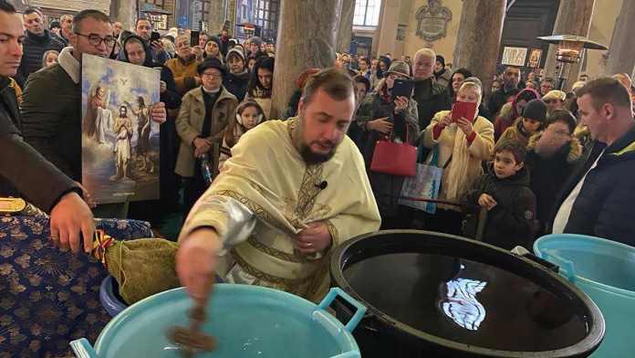 Padre Dan Vesea, della comunità ortodossa romena