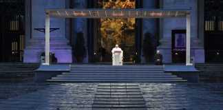 La preghiera del 27 marzo in Piazza San Pietro