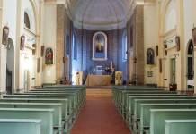 L'interno della chiesa di Castiglione di Cervia
