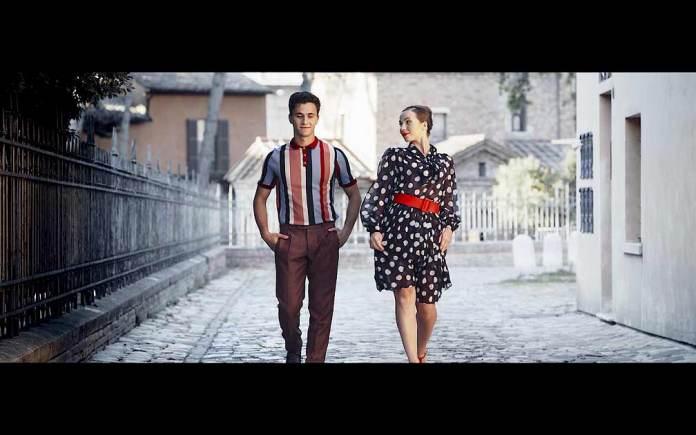 Un fotogramma del videoclip