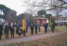 Un momento della cerimonia al parco pubblico di Cervia