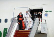 Il Papa al suo arrivo in Iraq