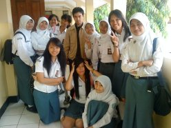 With my students (2011) (photo from : Facebook)