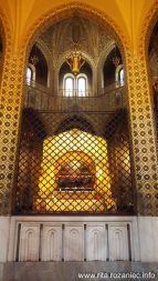 Widok z oddali na sarkofag św. Rity