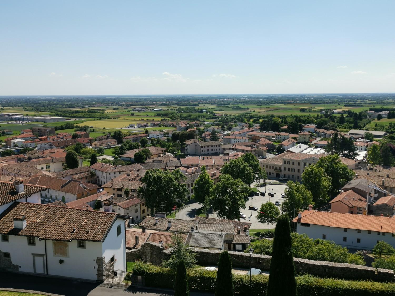 Vista di Fagagna dal colle del castello