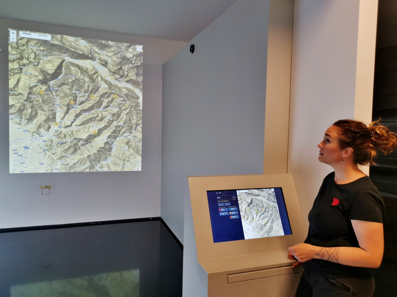 Eva Golles del museo SMO illustra Atlas