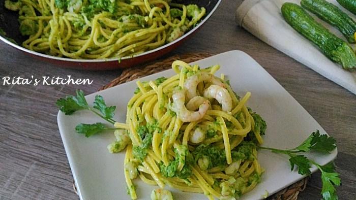 tonnarelli con gamberetti e zucchine