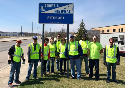 riteSOFT-team-volunteer-adopt-a-highway