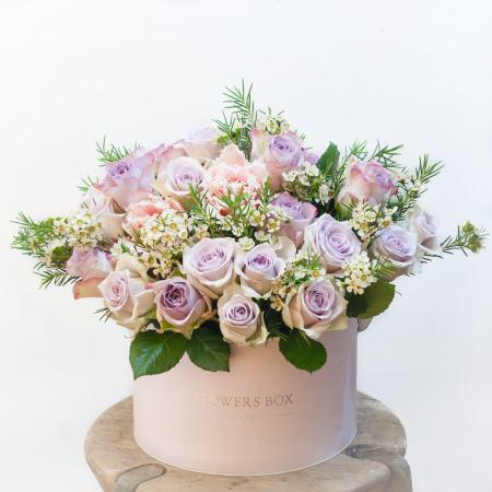 Gyvų gėlių dėžutė (kreminė)