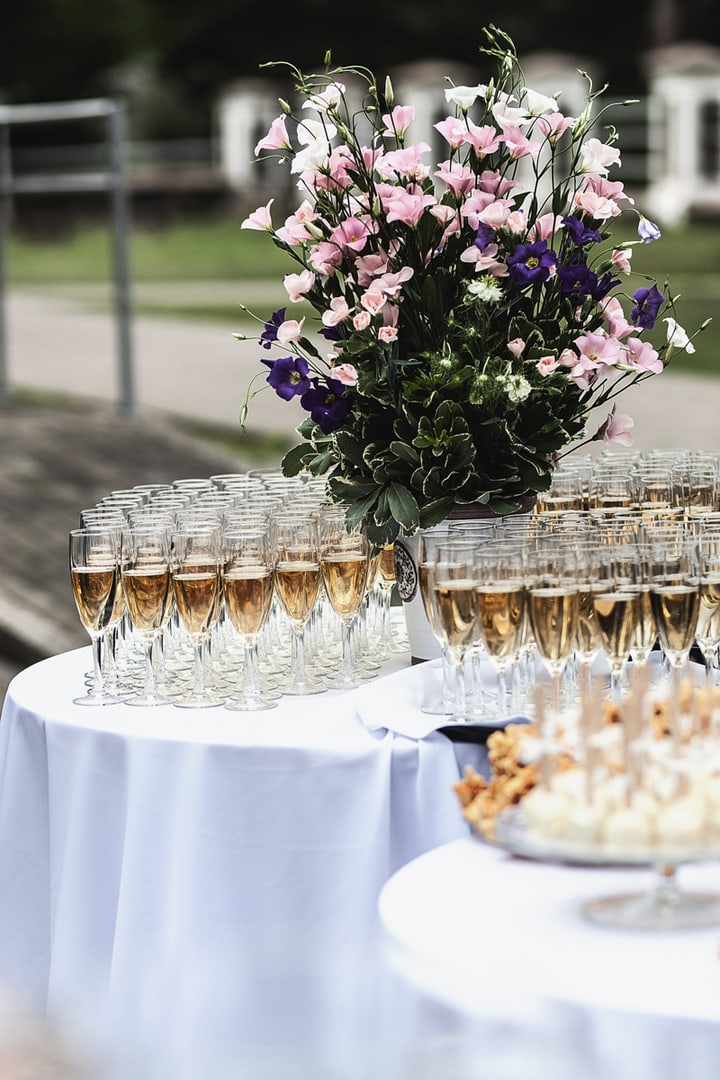 Gėrimų stalo dekoras