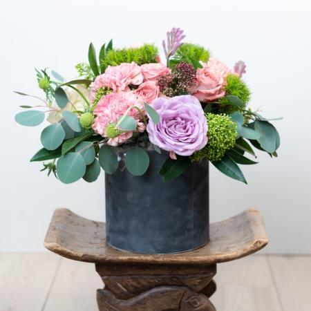 Sezoninės gėlės dėžutėje