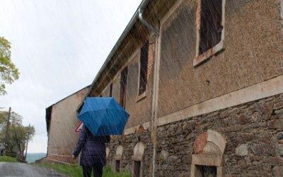 Dachrinne am Kuhstall erneuert 2015
