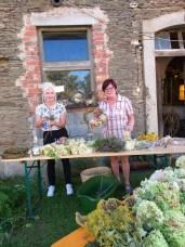Vorbereitung Floristikausstellung Rittergut Kleingera