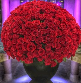 roses in lobby ritz carlton