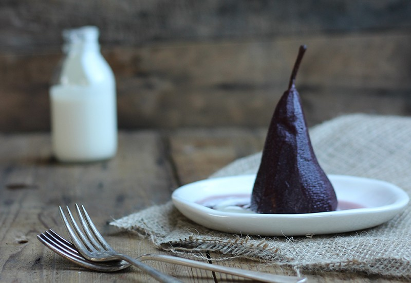 pears-poached-wih-star-anise-800x550