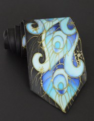 Blue Feathers Peacock Tie Black