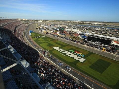 Daytona 500 실시간 스트림 : 케이블없이 무료로 2021 레이스를 시청하는 방법