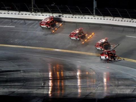 Daytona 500 비 지연 업데이트 : 날씨가 NASCAR의 2021 경주를 얼마나 지연시킬까요?