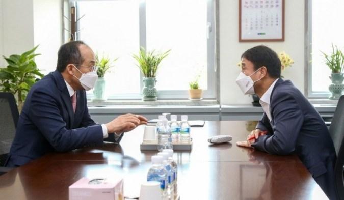 Partai-partai yang berkuasa dan oposisi menyetujui audiensi personel Kim Oh-soo pada tanggal 26…  Rasa sakit ketua kehakiman berlanjut