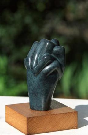 Éclosion - mains - prière